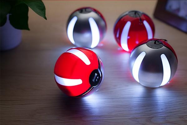Pokemon Go Poke Ball Power Bank Charger ( SM00001 )